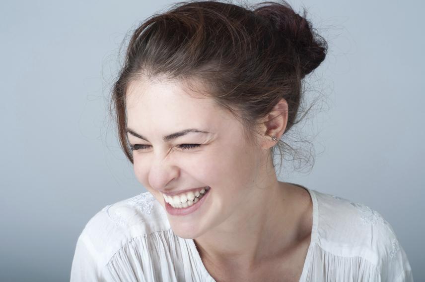a nevetés segít a fogyásban egészséges zsírok a fogyáshoz