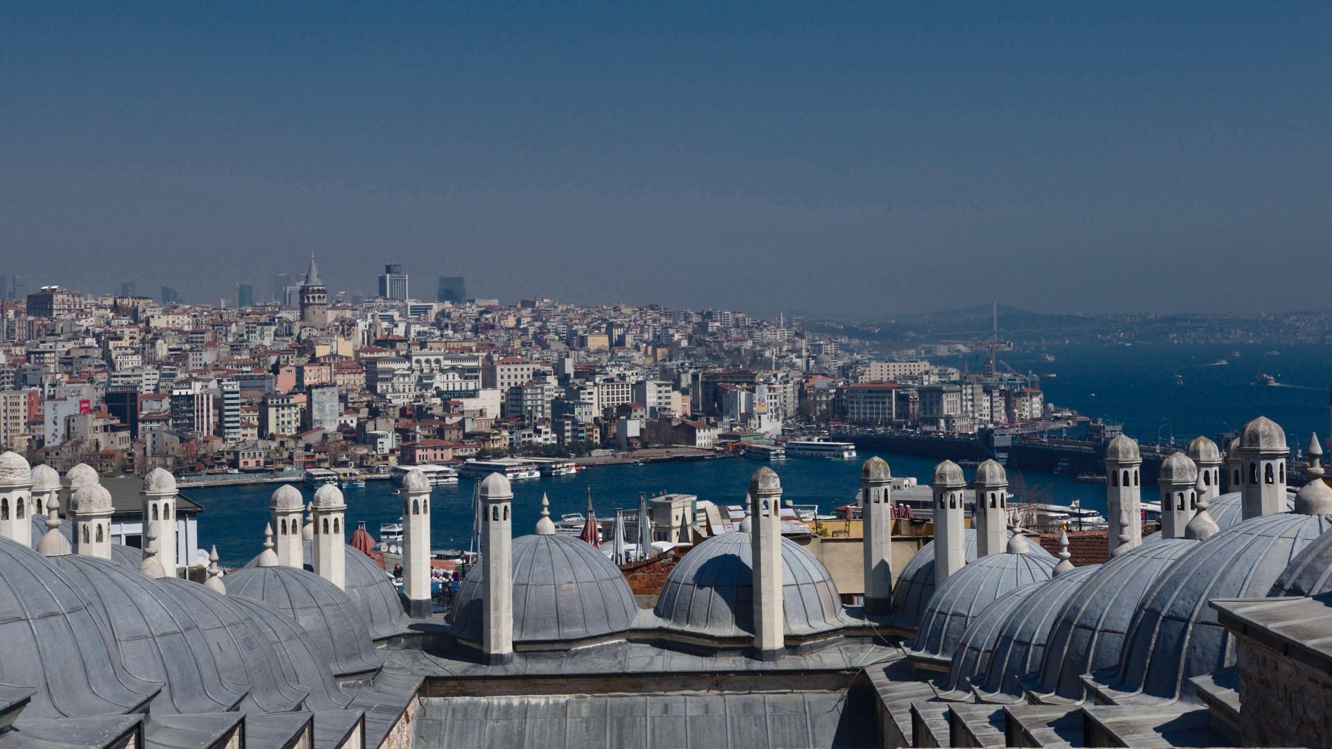 Csősz Bogi Isztambulban - Hazai sztár | Femina