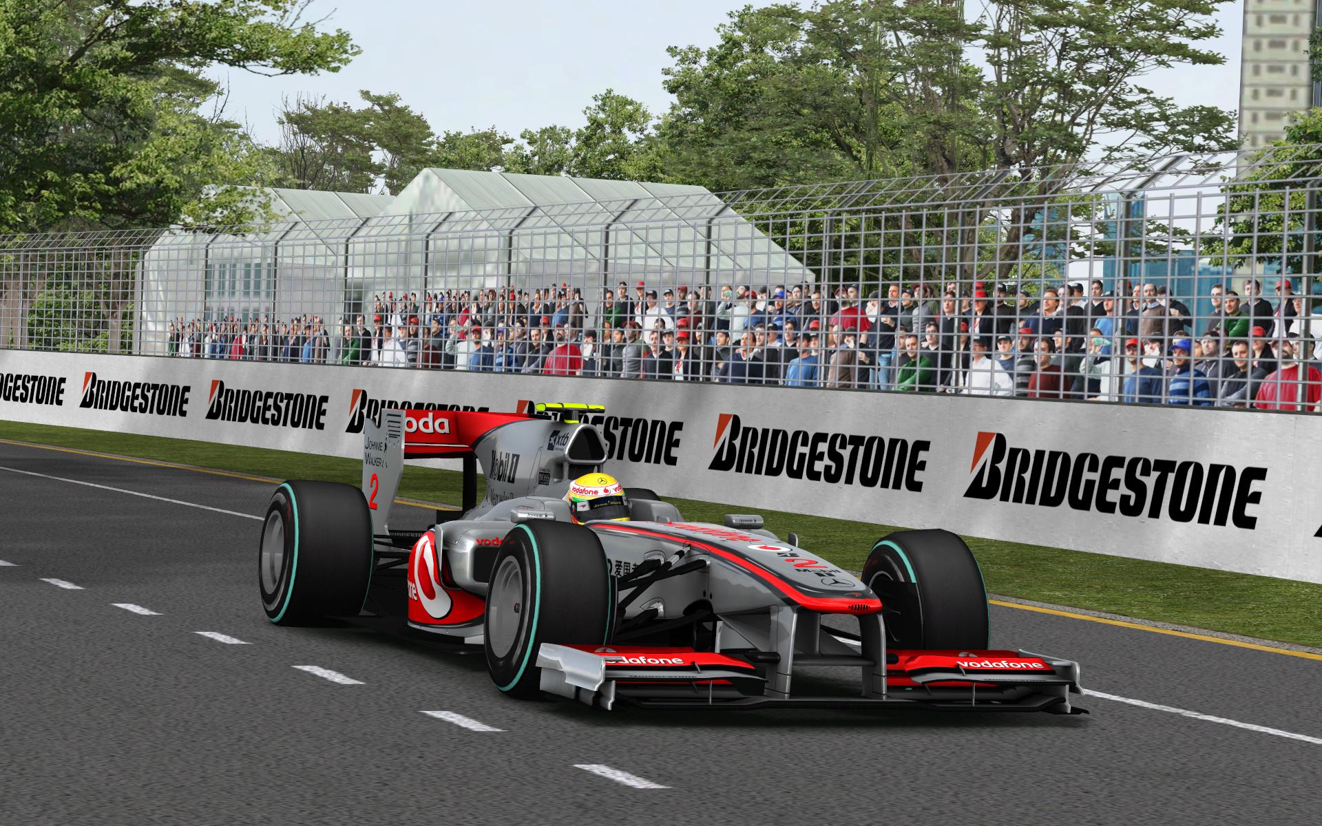 Kilókat fogynak a verseny alatt az F1-pilóták – hogy bírják ki?