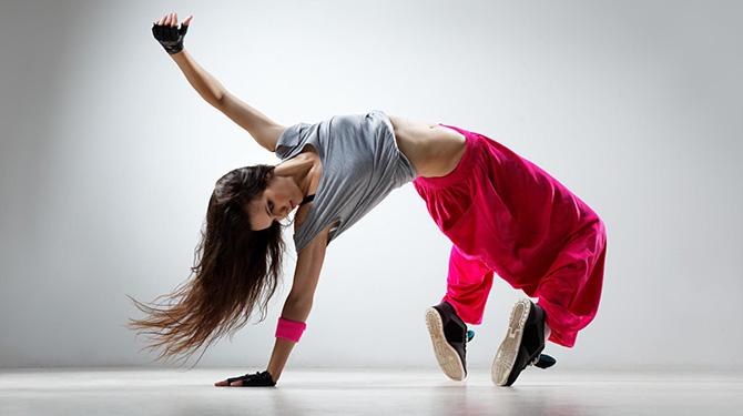 Mennyire hatékony edzés a női zenés torna? | Peak girl