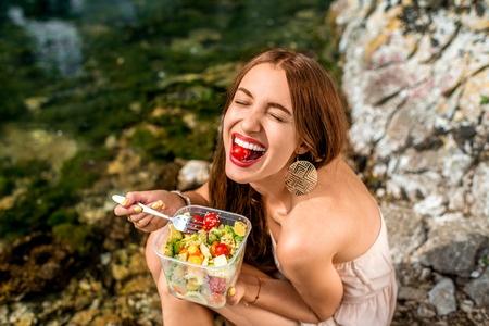 segít a nevetés a fogyásban? sminkbymel fogyás