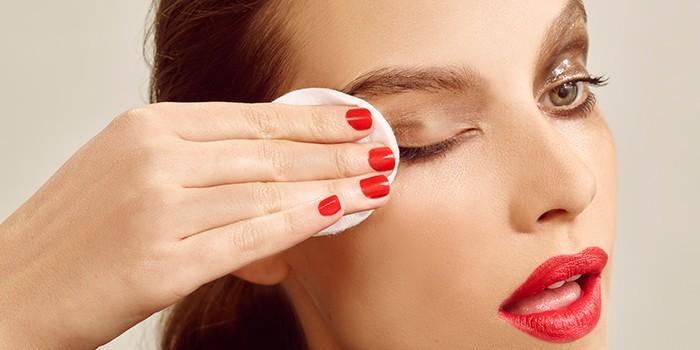 távolítsa el a szem alatti zsírlerakódásokat
